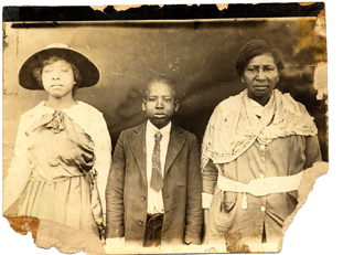 Photo of previous Avondale area residents