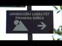 Local Sign Pointing to the Pyramids